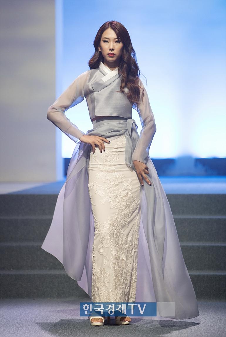 모델 김유진.jpg