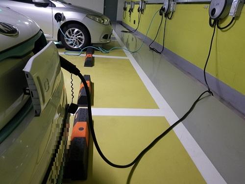 전기자동차 충전소.jpg