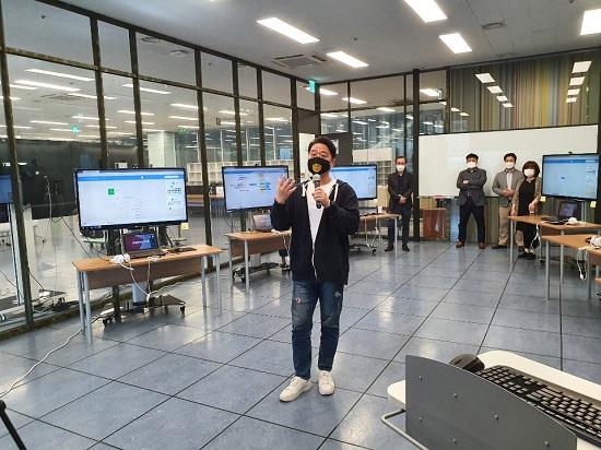 2020학년도 Design Thinking 창업캠프를 운영 중인 서경대학교 창업지원센터 이석형 센터장.jpg